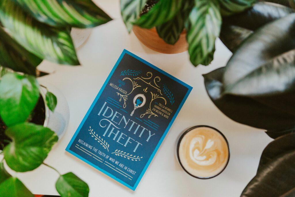 Dobra kava i knjiga idu ruku pod ruku